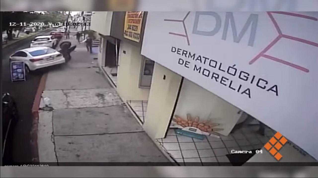 video conductor atropella asaltantes Morelia