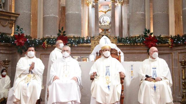 Iglesia pide vacunar a sacerdotes contra COVID-19