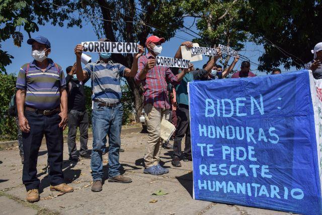 Migrantes hondureños piden ayuda gobierno Biden