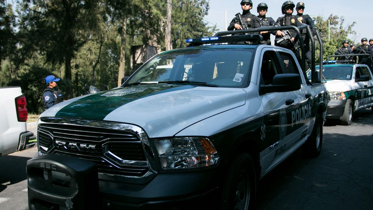 Detienen a 15 policías de la CDMX por el asesinato de un adolescente de 17 años durante una persecución en Naucalpan
