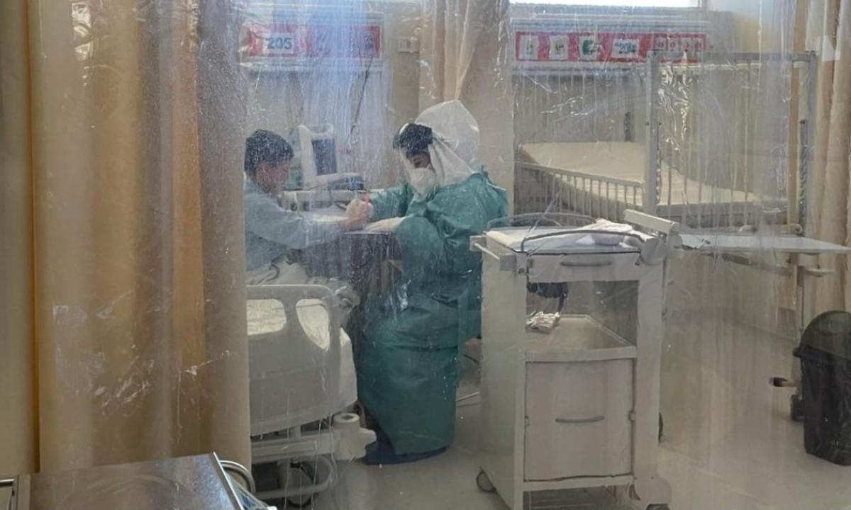 Sonora: enfermera ayuda a niños con Covid para que no se sientan solos