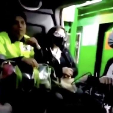 #LadyPepitas se niega a usar cubrebocas en el transporte público