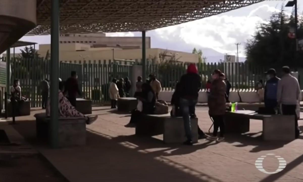 Toluca: médicos atienden a enfermos de Covid en la calle, los hospitales están saturados