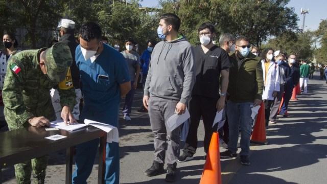 La mayoría de mexicanos opinan que la vacuna del Covid-19 debe venderse