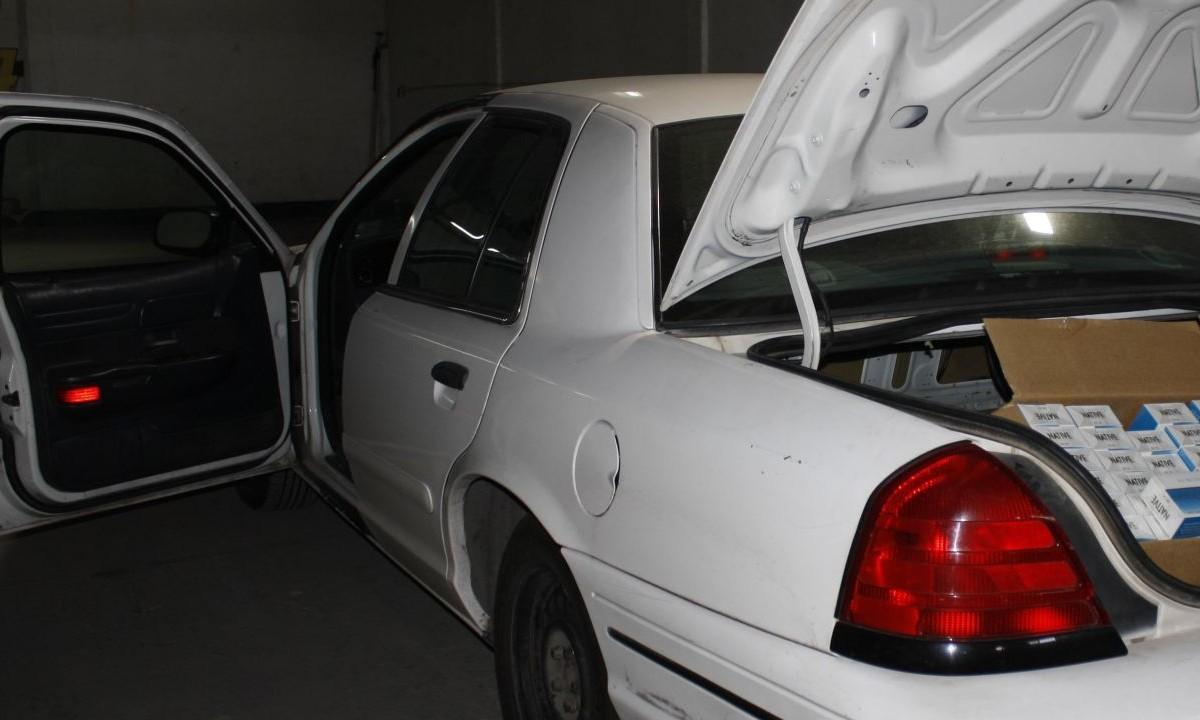 Ladrón reclama a la madre por dejar a su hijo dentro del carro que robó