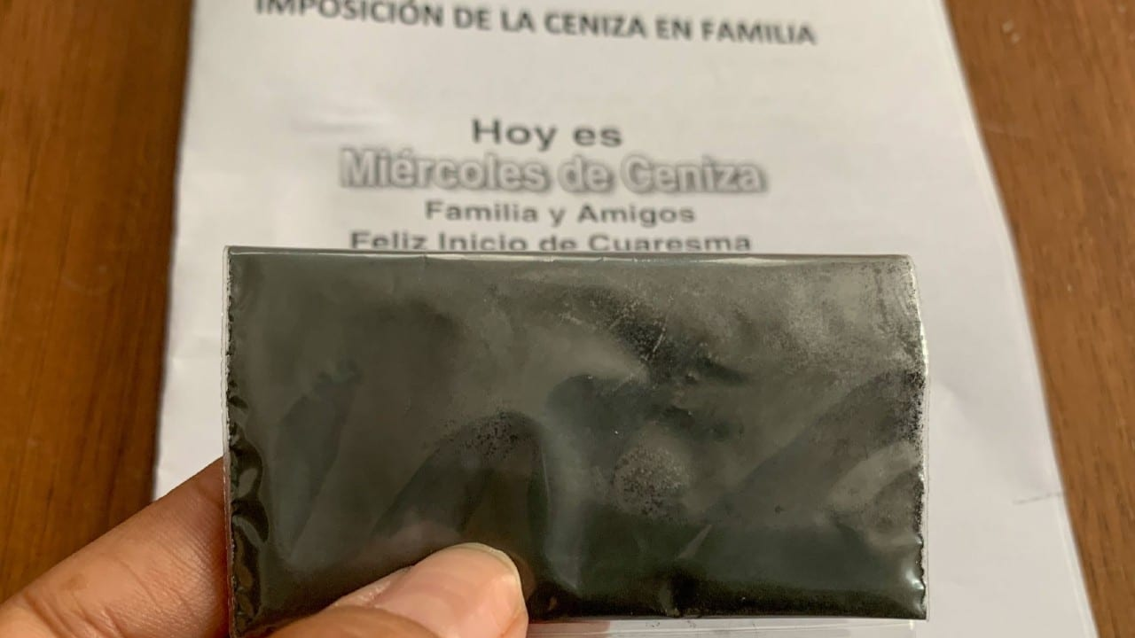 Iglesias CDMX entrega cenizas fieles