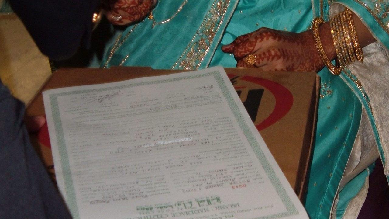 En Pakistán, familiares denunciaron que una niña de 12 años fue secuestrada y obligada a casarse y las autoridades no actuaron