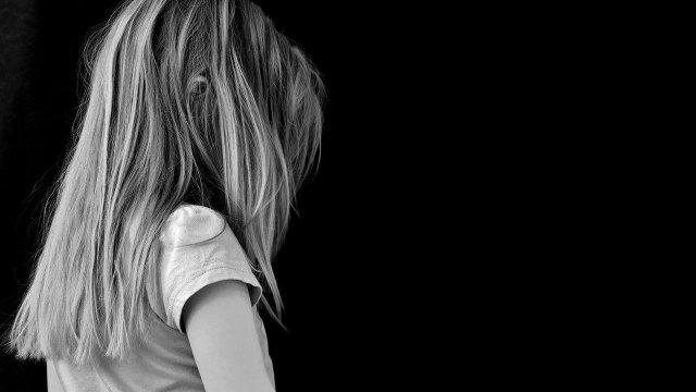 En Estados Unidos, una niña de ocho años fue expulsada de colegio cristiano porque confesó estar enamorada de su compañera
