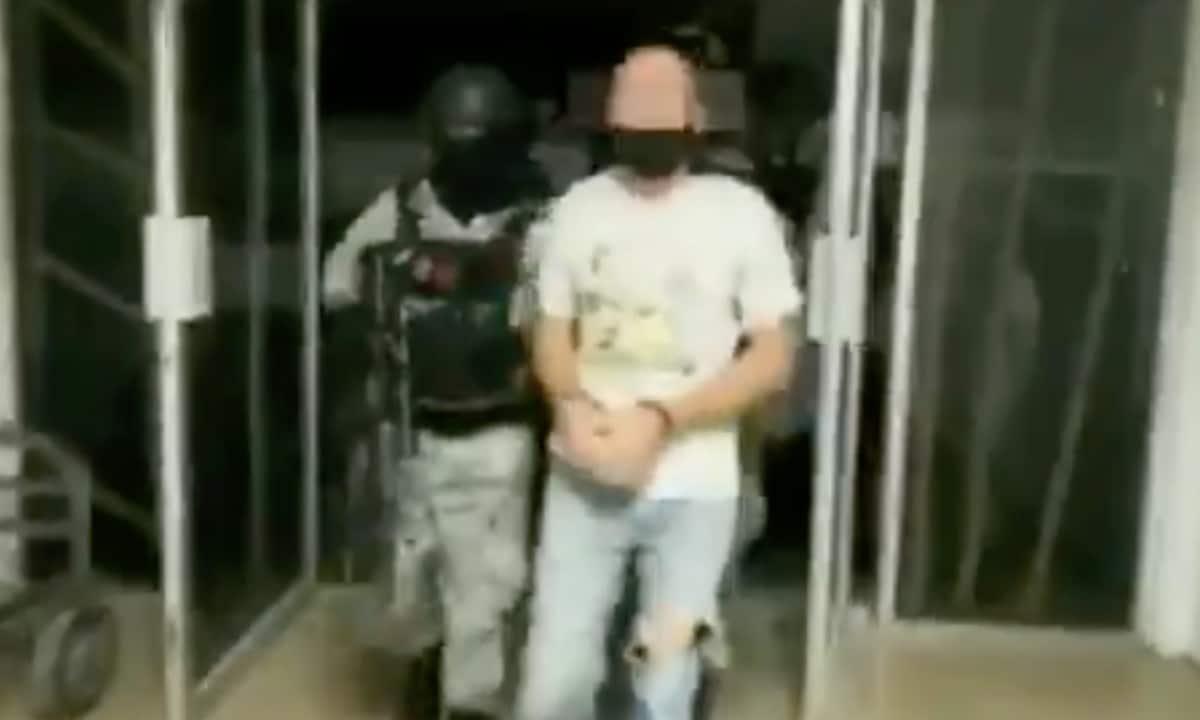 Arrestan en México a dos presuntos pederastas, uno enfrenta 40 acusaciones por delitos sexuales