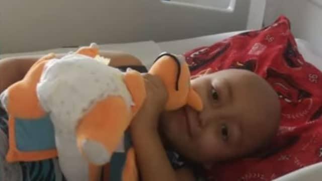 En Chile, unos padres rifan su casa para poder pagar tratamiento de cáncer de su hijo y así poder solventar los gastos