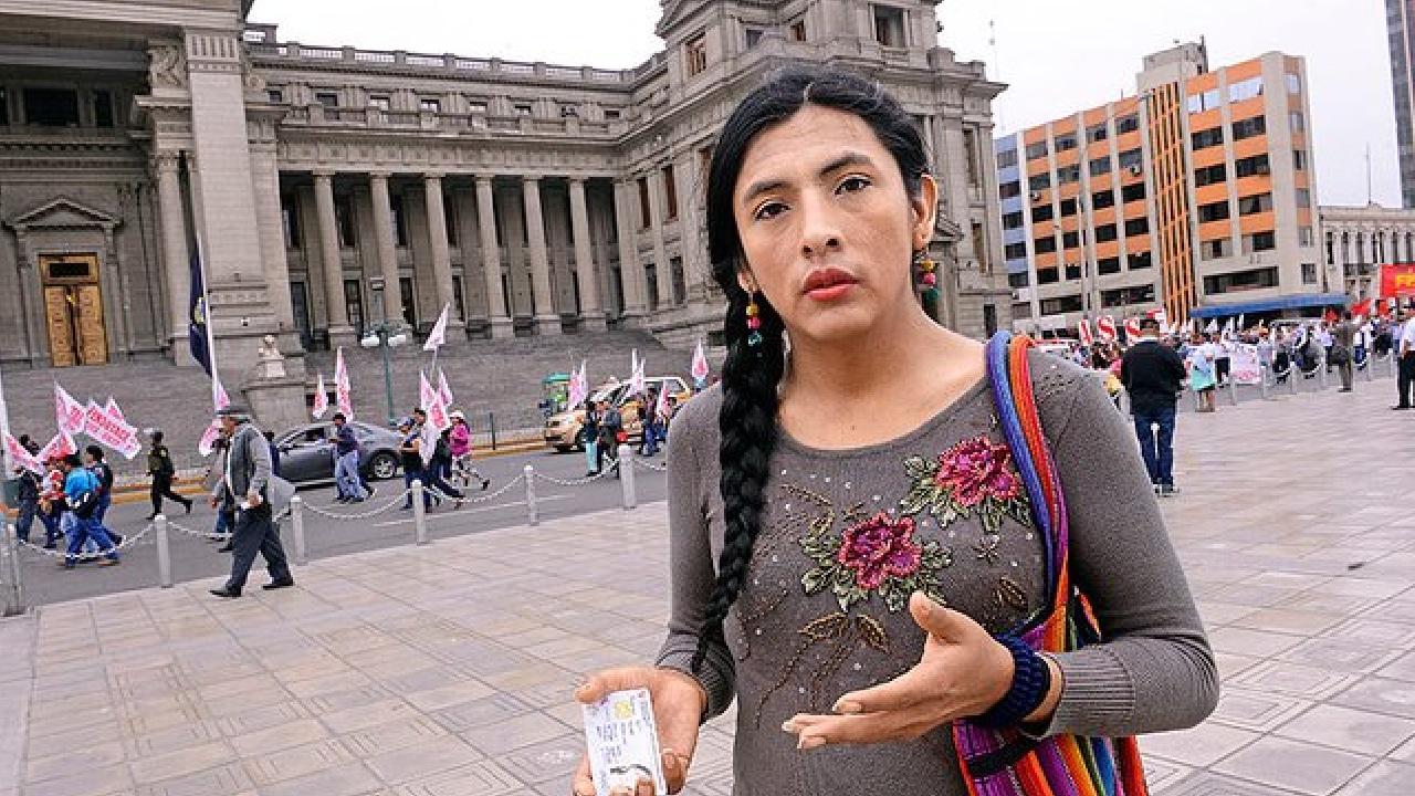 Gahela Cari mujer indígena trans en Congreso Perú