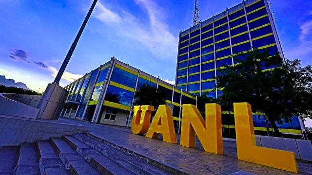 Estudiantes medicina UANL paro labores ser vacunados COVID-19