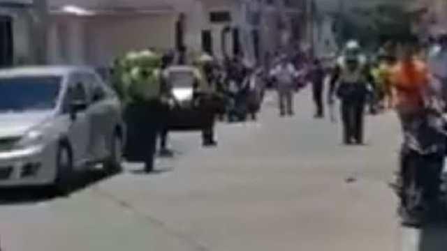 Video: Colombia un hombre asesinó a su esposa y luego se apuñaló