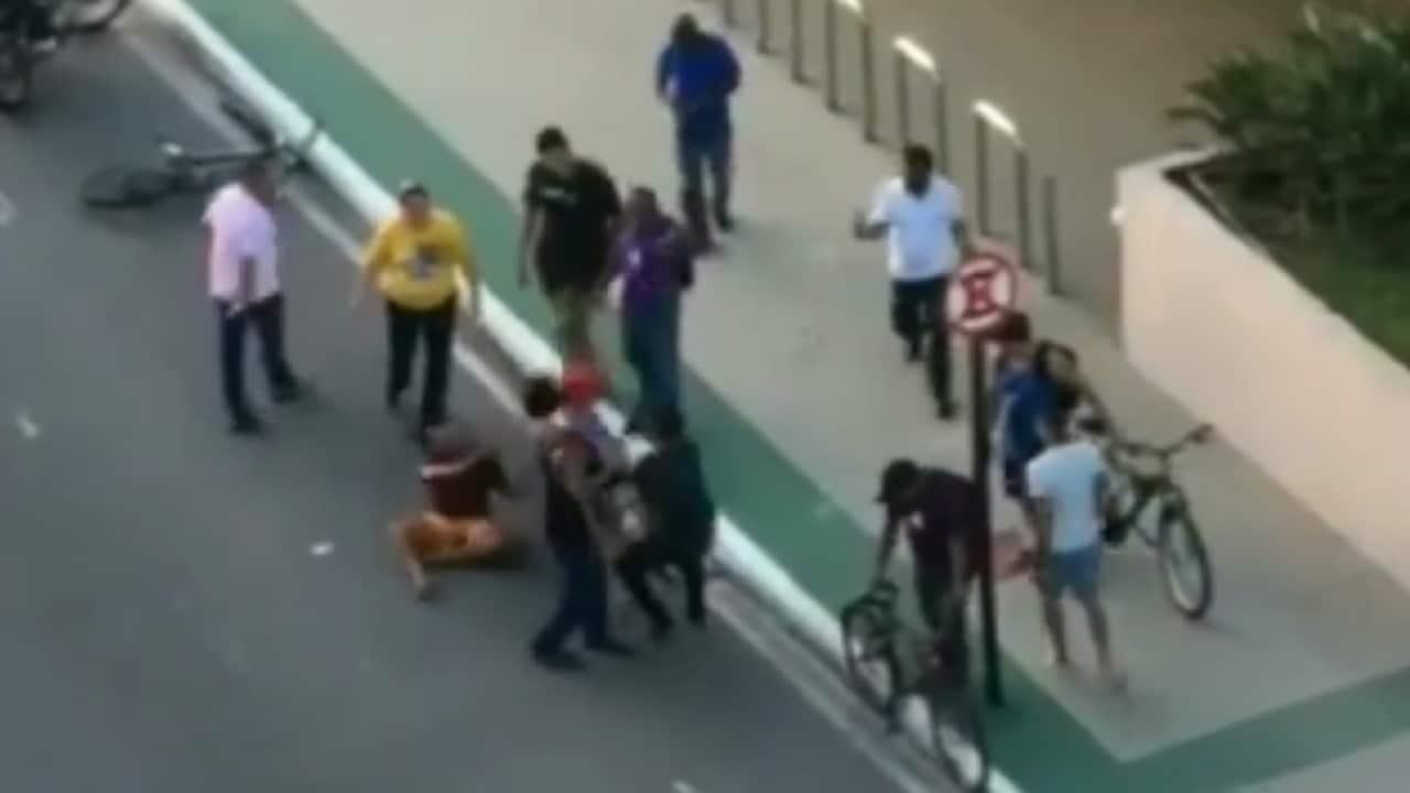 video ladrón robó celular mujer atropellado golpeado