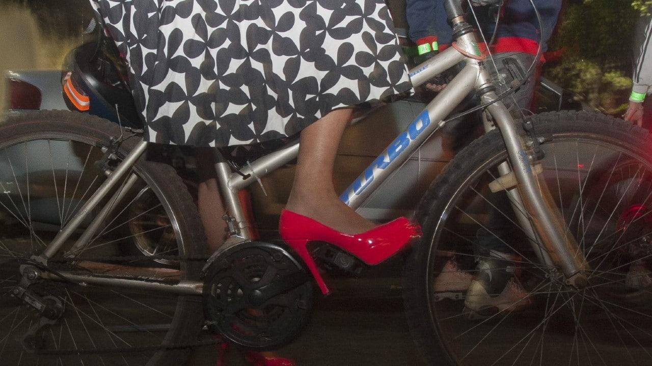 Escuela Reino Unido Pide Madres No Presentarse Minifaldas