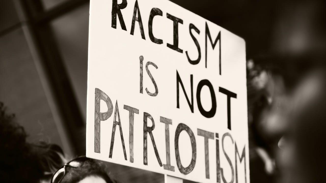 Racismo teatro Minesota