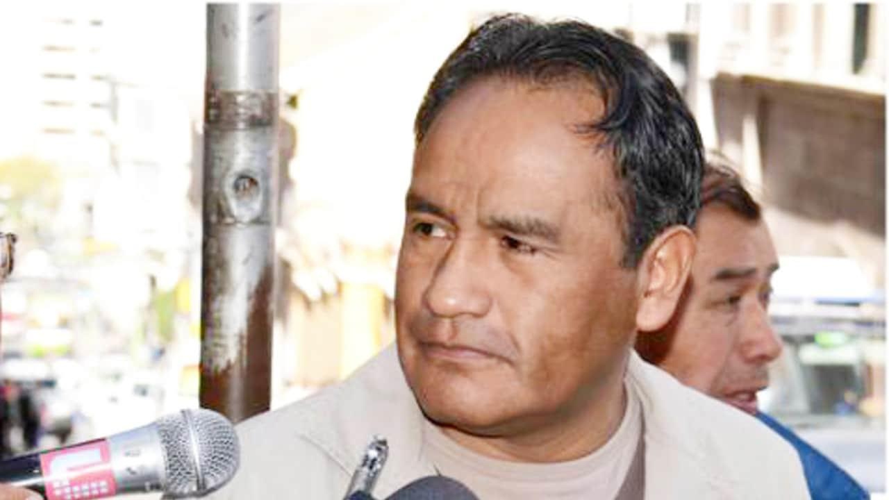 Exviceministro boliviano es detenido por abusar de su hija