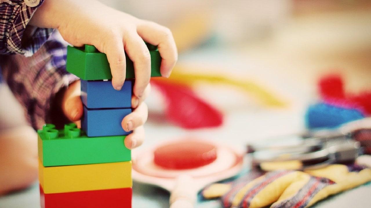 Qué es adultocentrismo y cómo afecta a lniñas y niños