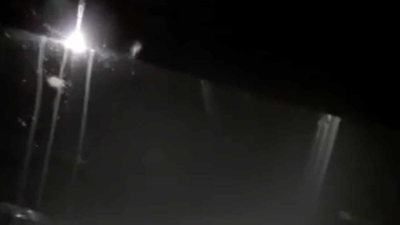 Abuela Arrojar Nieta Canal Riego Matamoros Video