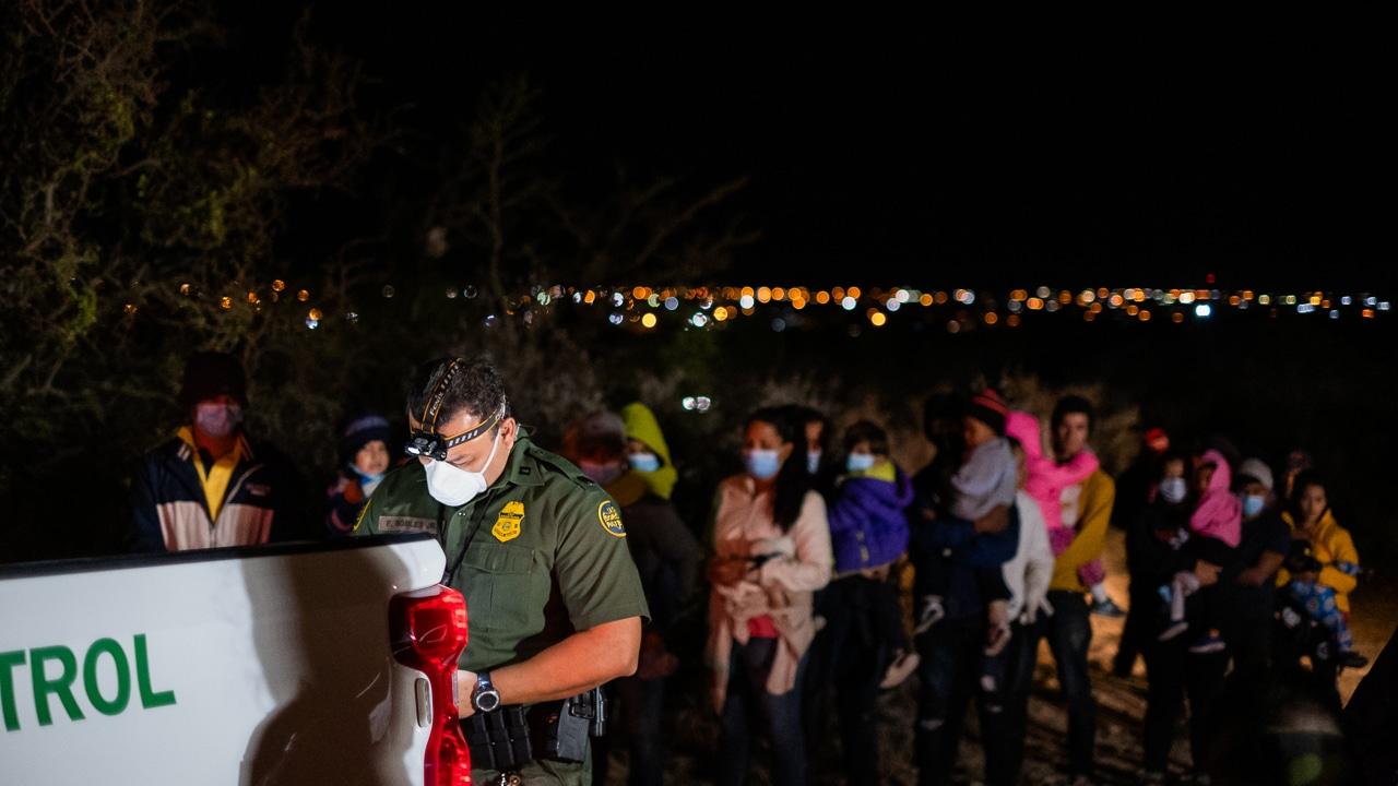 migrantes patrulla fronteriza río bravo