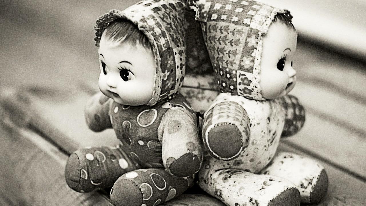 """""""No me dejaban dormir"""": mujer mata a sus gemelos con agua hirviendo"""
