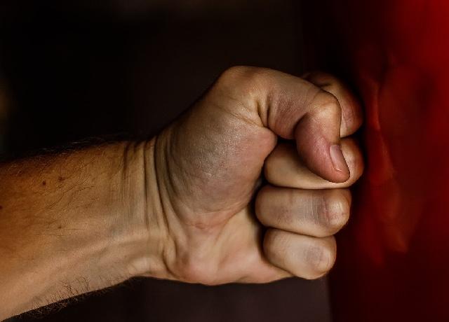 Boxeador se entregó a la policía por el feminicidio de su amante embarazada