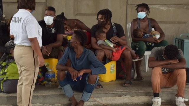 Personas migrantes denuncian maltratos por Guardia Nacional