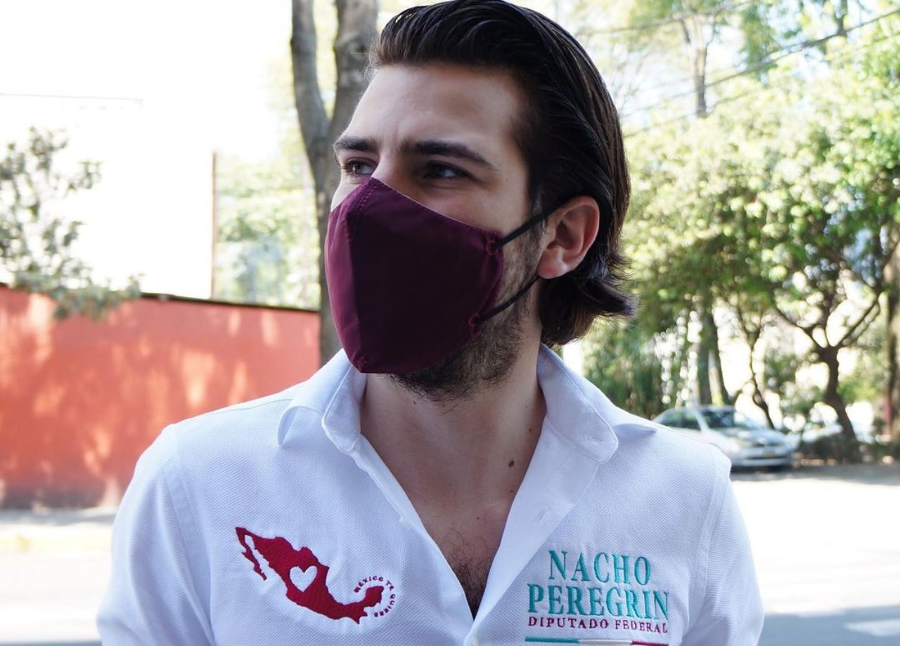 Nacho Peregrín hace favor a Eleazar Gómez
