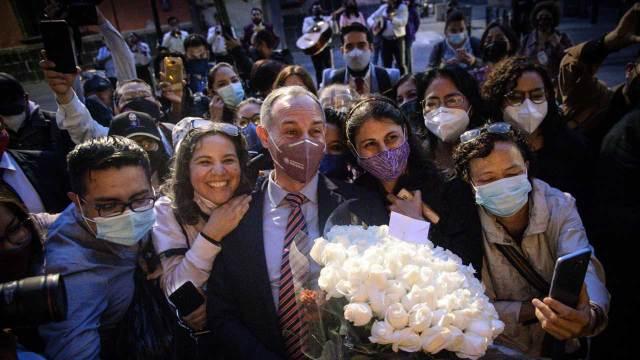 Hugo López-Gatell fue despedido con mariachis tras última conferencia vespertina
