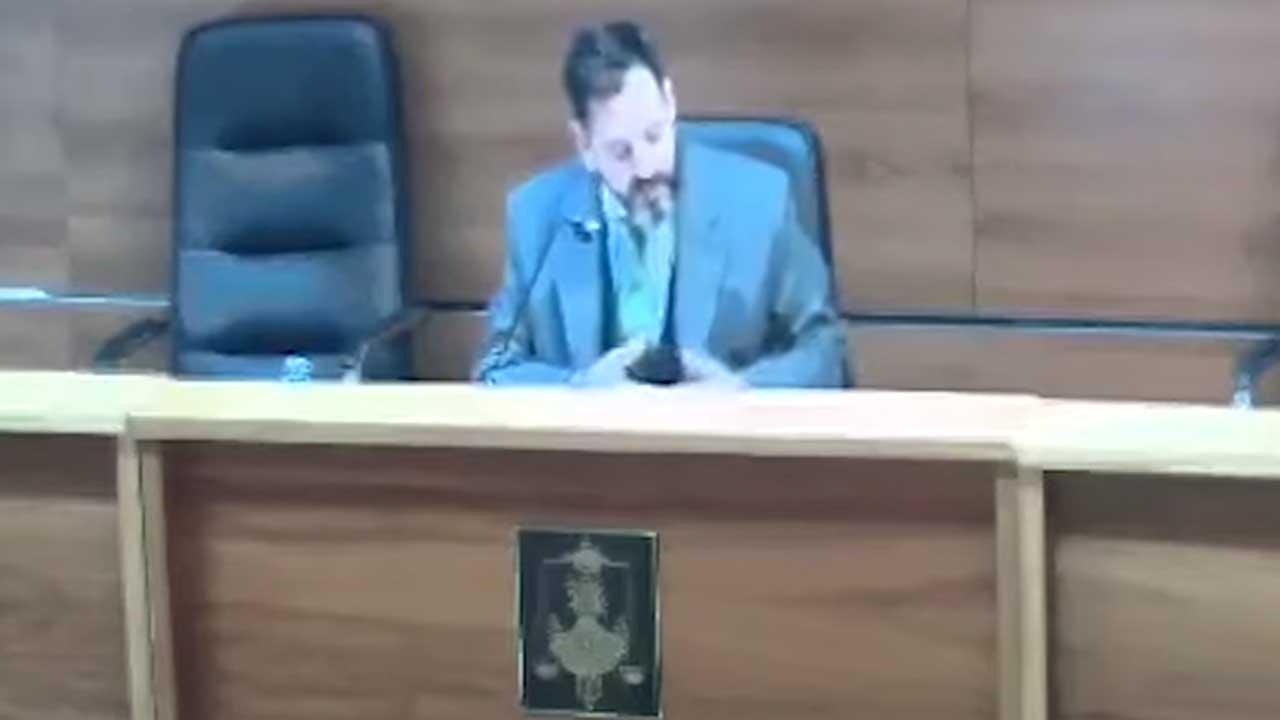 Juez libera hombre uso condon violacion