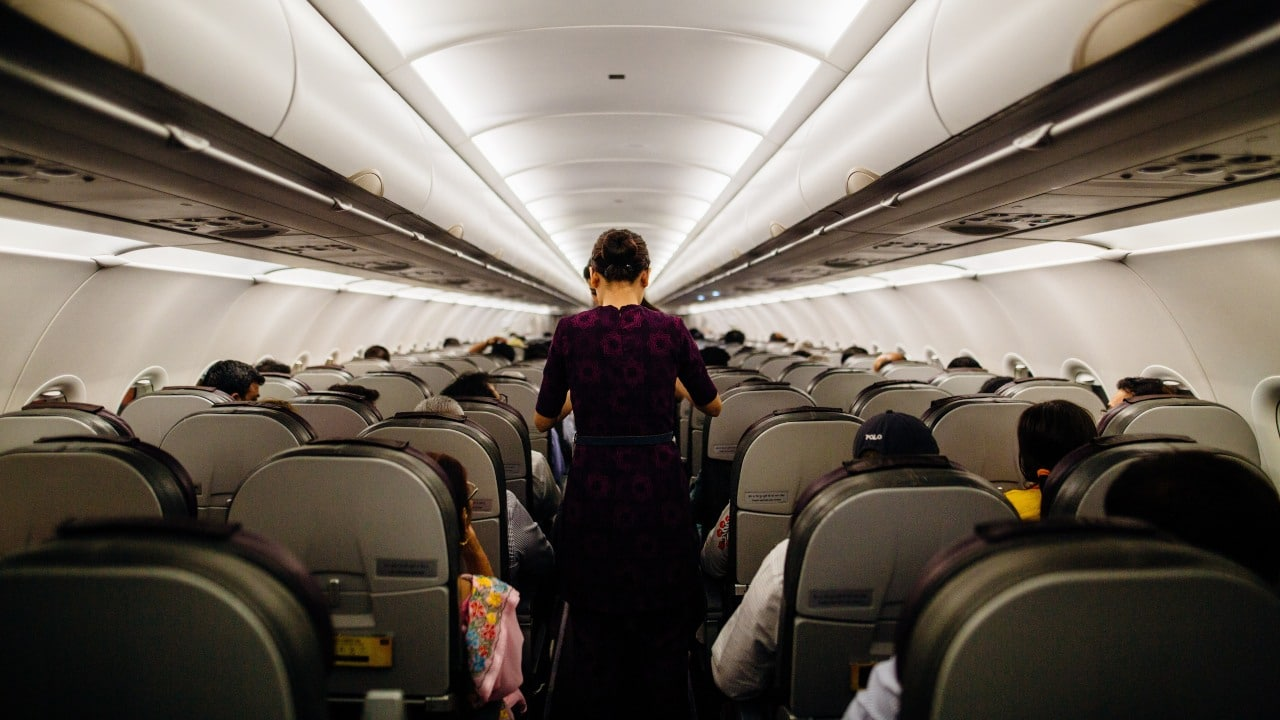 Saludos de género neutro en aerolínea alemana