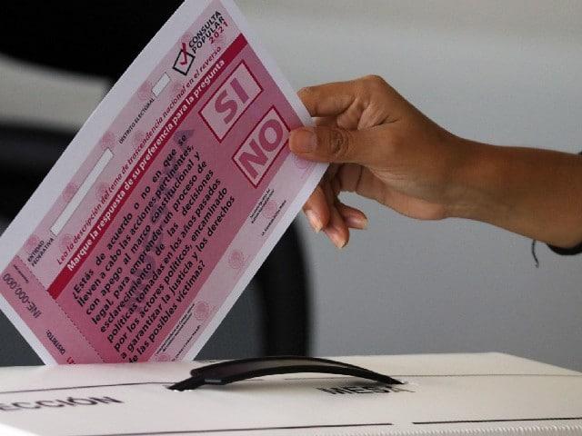 """AMLO recuerda a EPN: la consulta será """"en 15 días, menos, en 20"""""""