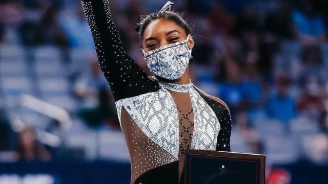 Simone Biles se retira de Tokyo 2020