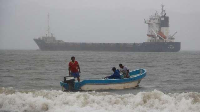 """Nora"" se degrada a tormenta tropical; lluvias provocan inundaciones en Sinaloa"