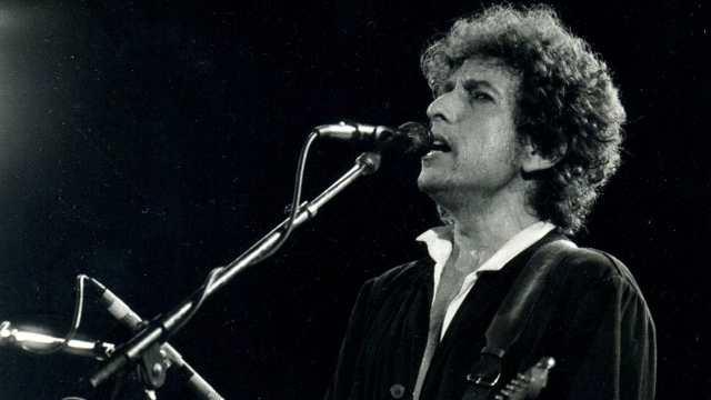 Acusan a Bob Dylan de haber drogado y violado a una niña de 12 años