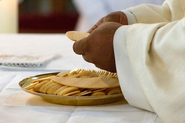 Aumenta el número de sacerdotes que usan Grindr