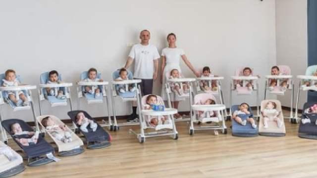 Matrimonio Tiene 20 Hijos Gasta Millones Niñeras