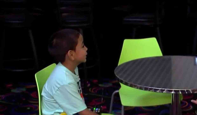 Niño de Houston de seis años busca familia que lo adopte