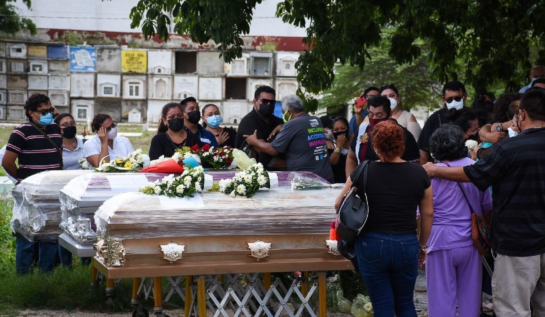 Triple feminicidio en Campeche; hallan cuerpos de una mujer y sus hijas en la fosa séptica de un salón de fiestas