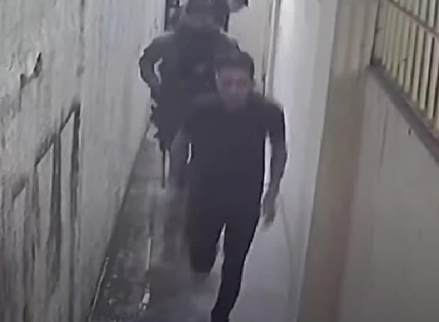 Exclusiva: video muestra a presuntas fuerzas especiales mexicanas sacando de prisión al jefe de un cartel