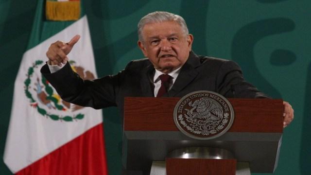 AMLO asegura que la UNAM se sometió al pensamiento neoliberal