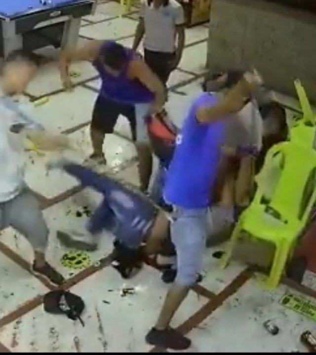 Video: Linchan a sujeto por querer asaltar un billar