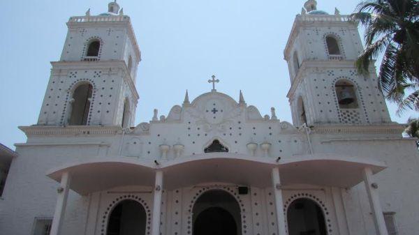 En la Iglesia de Catemaco los ladrones dejaron destrozos/ foto Plumas Libres
