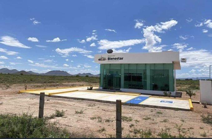 Critican en redes a gobierno de AMLO por poner un banco de Bienestar en  medio del desierto en Casas Grandes, Chihuahua - Plumas Libres