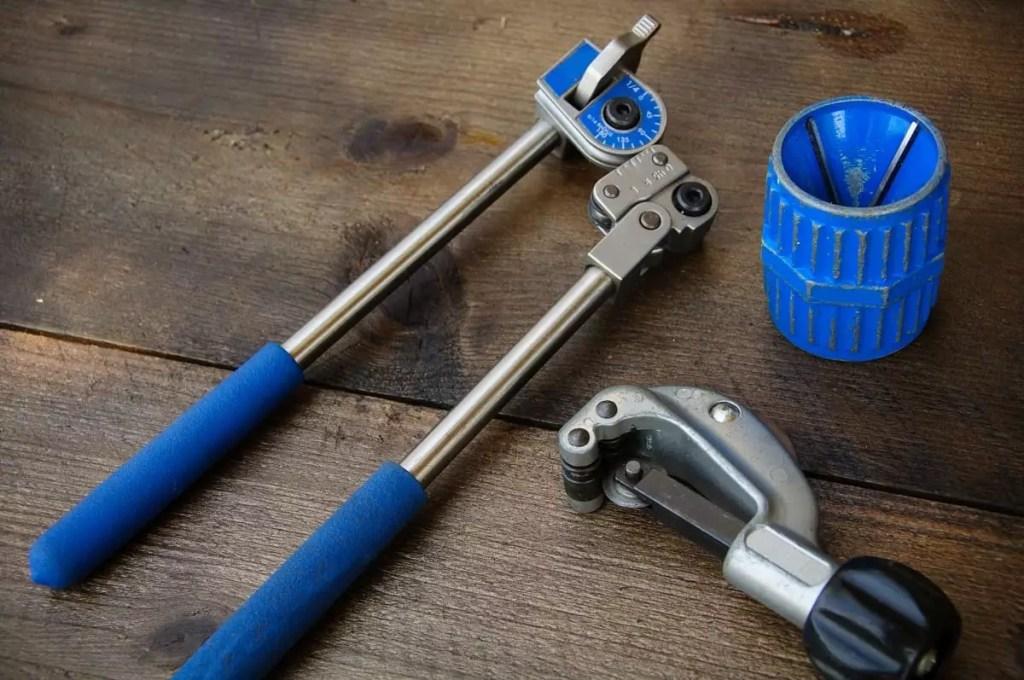 Best Pipe Bender - plumbinglove.com