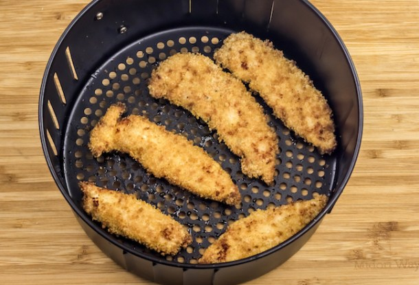 Today we have an Air Fryer Crispy Chicken Fingers Recipe with only 9 Weight Watchers Smart Points. I calculated the smart points for you!