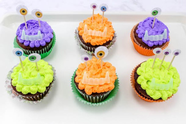 These Halloween Monster Cupcakes recipe sure won't scare anyone at your holiday get together. They are just too cute to be scary.