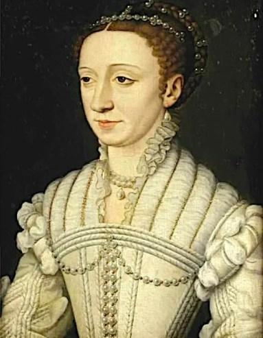 Ce portrait de Marguerite de France, fille de François Ier et Claude de France, a été réalisé aux alentours de 1555. Il illustre à merveille la mode naissante : quelques plis remontent sur le cou, dépassant de la guimpe qui recouvre les épaules et le décolleté.