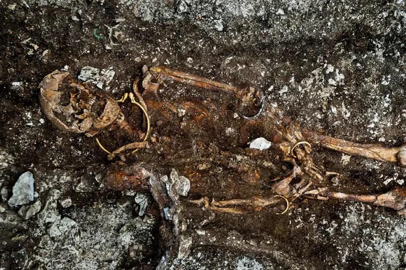 Les fouilles de la tombe du prince de Lavau