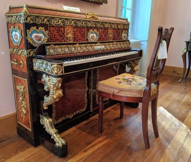 Somptueux piano de Madame Adélaïde, musicienne douée - Domaine royal de Randan